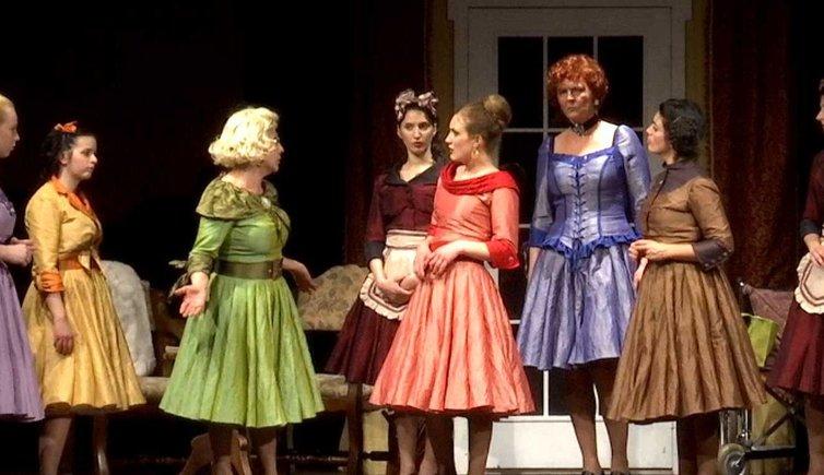 Teatro Otto donne e un mistero